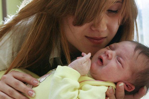 """""""Mama surogat"""" – o afacere a Ucrainei în România. Prețuri și legi"""
